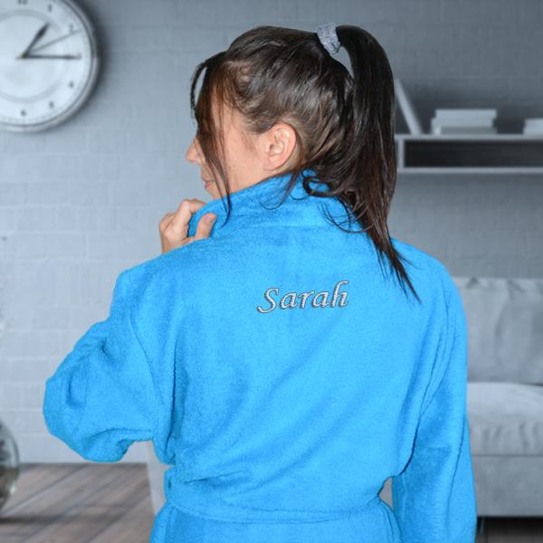 un peignoir bleu personnalis avec le pr nom de votre choix. Black Bedroom Furniture Sets. Home Design Ideas
