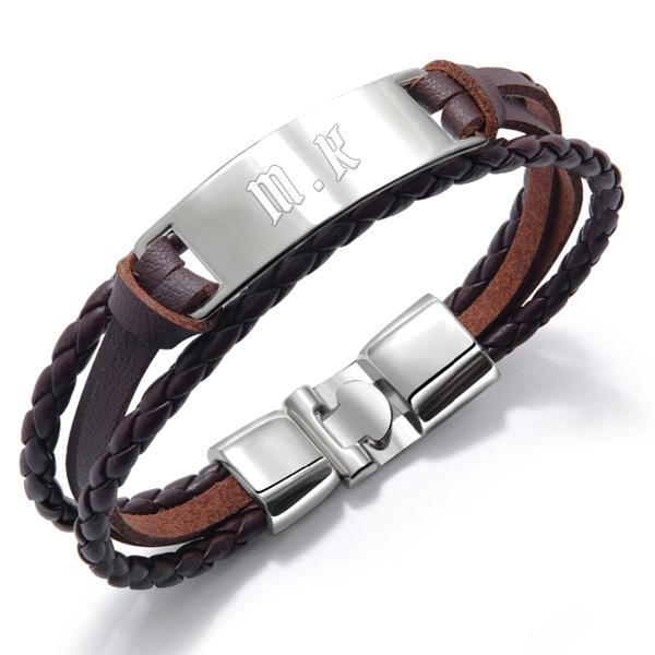 Bracelet homme personnalisé gravé cuir tressé marron.
